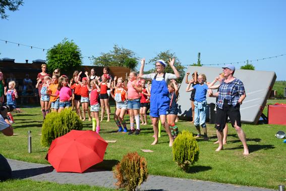 Festival Voorbij de Grens bij De 4 Elementen in Stroobos, Friesland